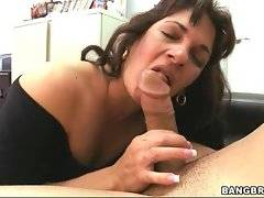 Hot mature bitch knows what she needs to do with dicks